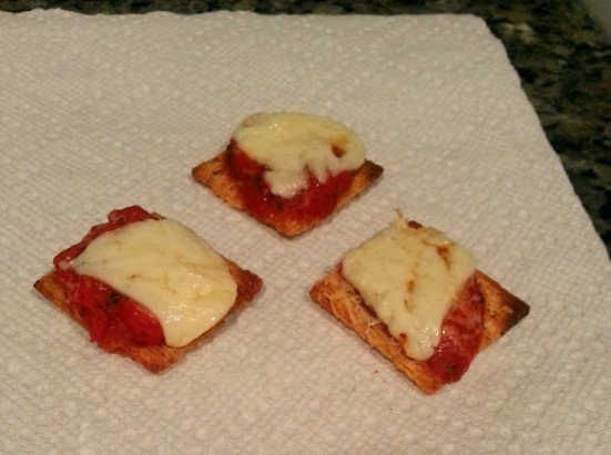triscuit pizza