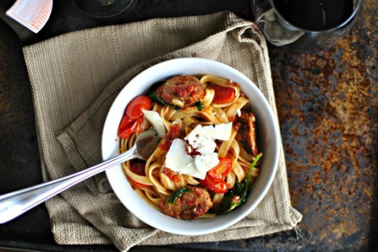 Italian-Sausage-Kale-and-Blistered-Tomato-Fettuccine-620x415