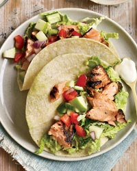201003-r-chipotle-salmon-tacos