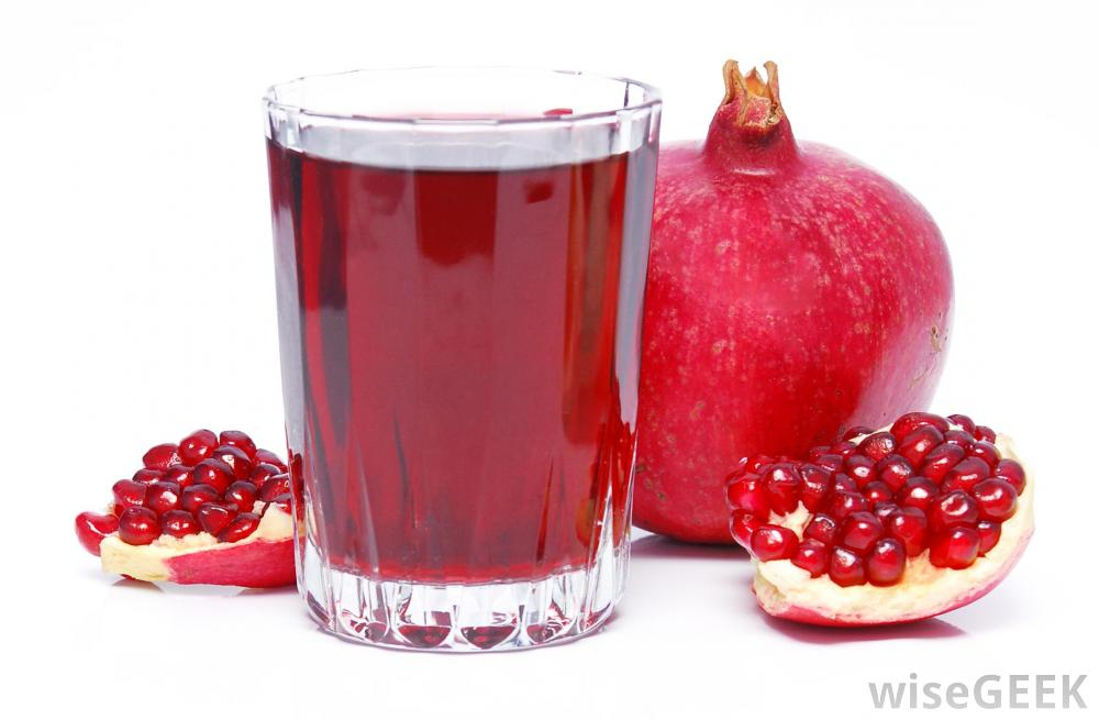 glass-of-pomegranate-juice