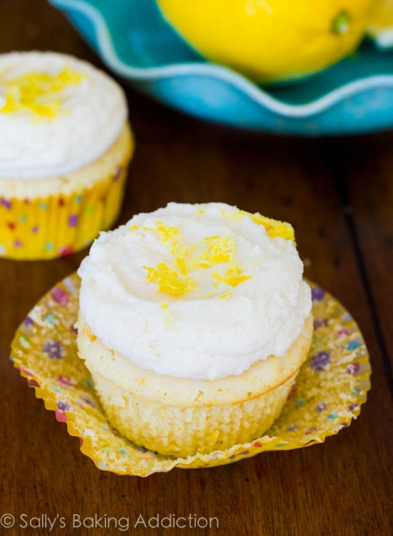 Lemon-Cupcakes-with-Vanilla-Bean-Frosting-3