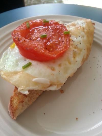tomato egg on toast