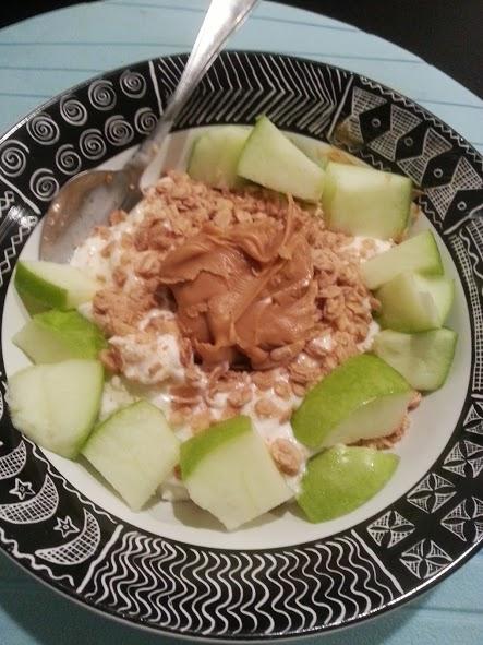 greek yogurt with granola and pb