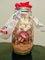 DIY To Try: Peppermint Hot Chocolate in a Jar